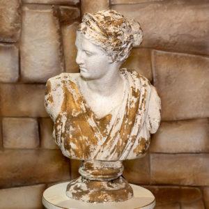 figura donna colore avorio
