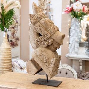 scultura testa di cavallo