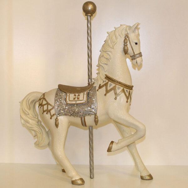 Cavallo bianco in resina
